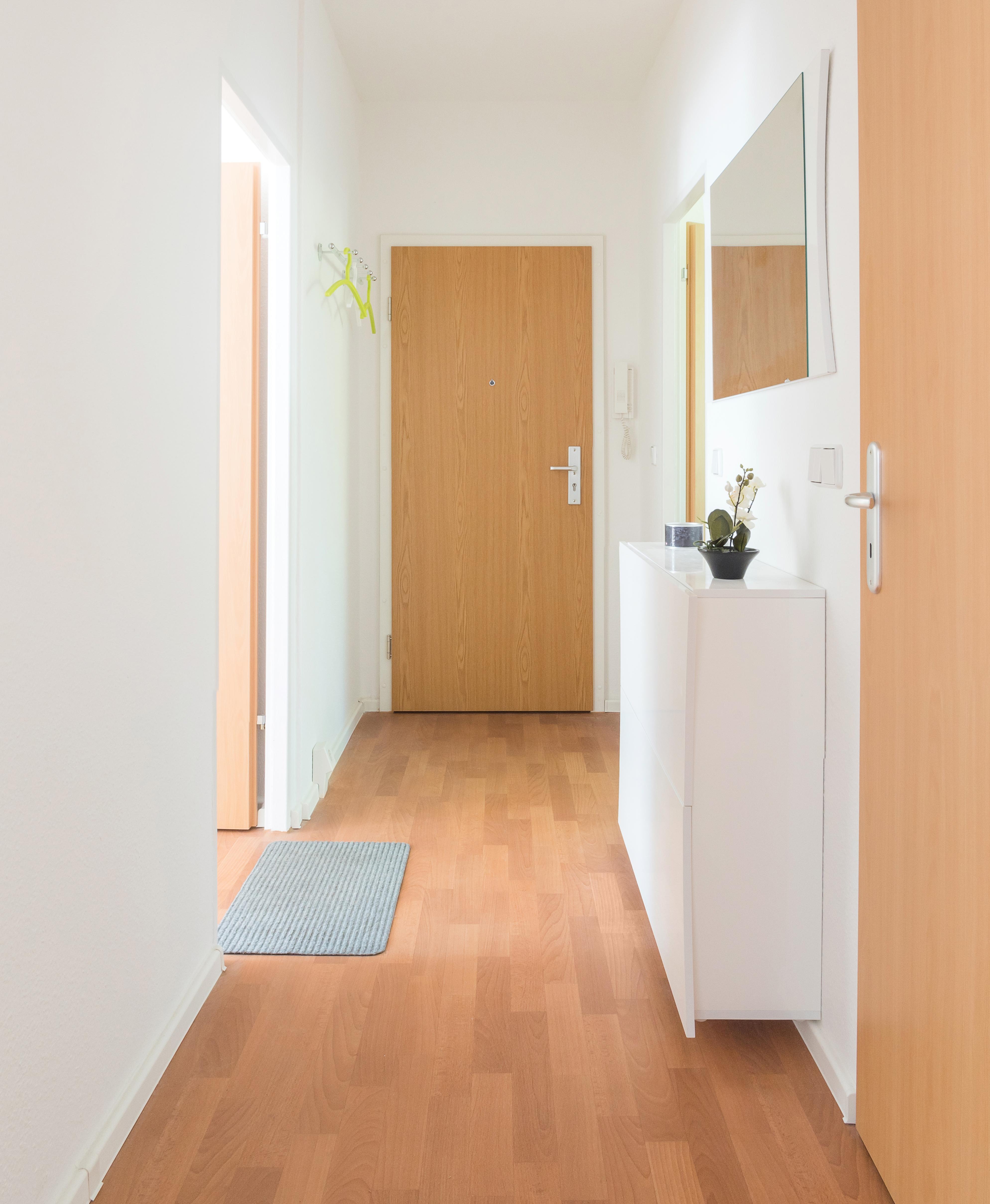 thekla wogetra. Black Bedroom Furniture Sets. Home Design Ideas