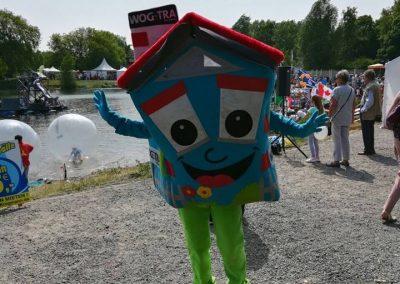 WOGETRA Maskottchen Willy freut sich auf das Wasserfest